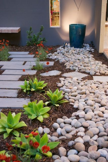 Drought resistant landscapes for the sacramento area for Landscaping rocks sacramento